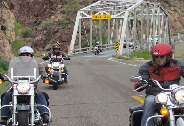Überqueren Sie auf dieser Reise einige alte Zugbrücken im Westen der USA